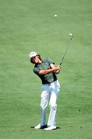 AUGUSTA, GA - APRIL 12:  Aaron Baddeley of Australia hits a shot on the second hole during the final round of the 2009 Masters Tournament at Augusta National Golf Club on April 12, 2009 in Augusta, Georgia.  (Photo by Harry How/Getty Images)