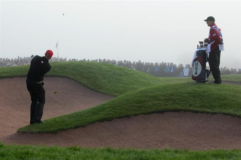 NEWPORT, WALES - OCTOBER 04:  Stewart Cink of the USA plays a pitch shot on the first hole in the singles matches during the 2010 Ryder Cup at the Celtic Manor Resort on October 4, 2010 in Newport, Wales.  (Photo by Andrew Redington/Getty Images)