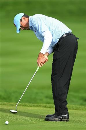 NEWPORT, WALES - OCTOBER 03:  Matt Kuchar of the USA watches a putt during the Fourball & Foursome Matches during the 2010 Ryder Cup at the Celtic Manor Resort on October 3, 2010 in Newport, Wales.  (Photo by Andy Lyons/Getty Images)