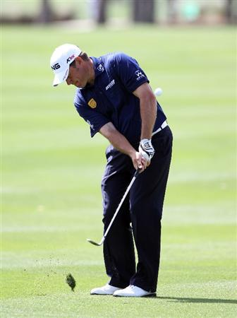 PALM BEACH GARDENS, FL - MARCH 03:  Lee Westwood of England plays a shot on the 6th hole during the first round of The Honda Classic at PGA National Resort and Spa on March 3, 2011 in Palm Beach Gardens, Florida.  (Photo by Sam Greenwood/Getty Images)
