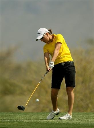 PHOENIX, AZ - MARCH 18:  Lindsey Wright of Australia hits her tee shot on the 18th hole during the first round of the RR Donnelley LPGA Founders Cup at Wildfire Golf Club on March 18, 2011 in Phoenix, Arizona.  (Photo by Stephen Dunn/Getty Images)