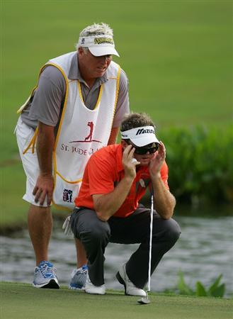 MEMPHIS, TN - JUNE 11:  Brian Gay of the United States lines up a putt during the first round of the St. Jude Classic at TPC Southwind held on June 11, 2009 in Memphis, Tennessee.  (Photo by Michael Cohen/Getty Images)