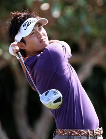 KAPALUA, HI - JANUARY 10:  Ryuji Imada plays a shot during the third round of the Mercedes-Benz Championship at the Plantation Course on January 10, 2009 in Kapalua, Maui, Hawaii.  (Photo by Sam Greenwood/Getty Images)