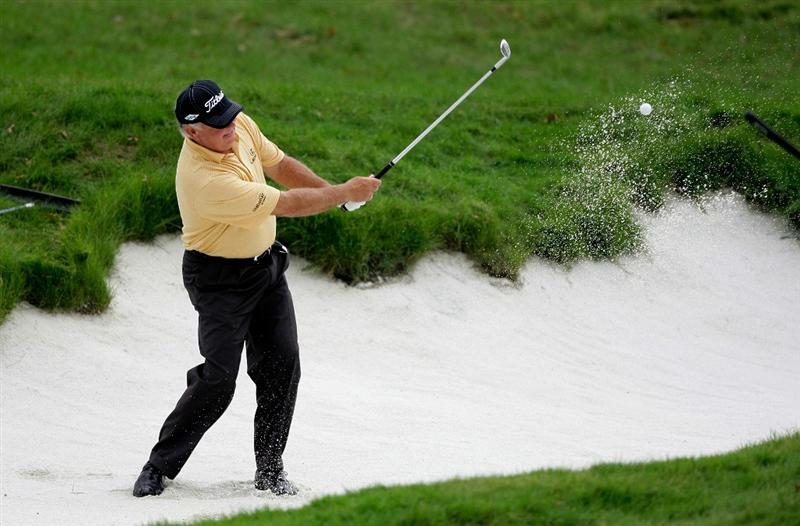 INCHEON, SOUTH KOREA - SEPTEMBER 10:  Mark O'meara of United States out of a bunker on the first hole during day one of PGA Champions Tour - Posco E&C Songdo Championship at Jack Nicklaus Golf Club on September 10, 2010 in Incheon, South Korea.  (Photo by Chung Sung-Jun/Getty Images)