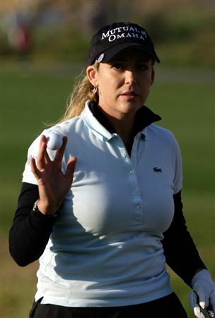 INCHEON, SOUTH KOREA - OCTOBER 29:  Cristie Kerr of United States on the 18th green during the 2010 LPGA Hana Bank Championship at Sky 72 golf club on October 29, 2010 in Incheon, South Korea.  (Photo by Chung Sung-Jun/Getty Images)