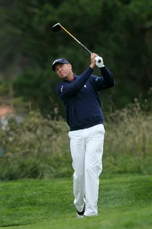 PEBBLE BEACH, CA - JUNE 18:  Davis Love III hits his tee shot on the second hole during the second round of the 110th U.S. Open at Pebble Beach Golf Links on June 18, 2010 in Pebble Beach, California.  (Photo by Stephen Dunn/Getty Images)