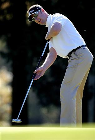 GOTENBA, JAPAN - NOVEMBER 14:  Brendan Jones of Australia putts on the 2nd green during the second round of Mitsui Sumitomo Visa Taiheiyo Masters at Taiheiyo Club on November 14, 2008 in Gotenba, Shizuoka, Japan.  (Photo by Koichi Kamoshida/Getty Images)
