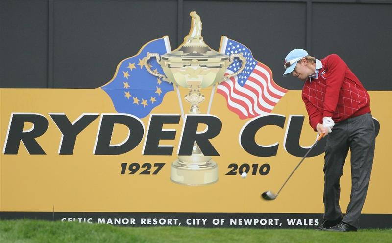 NEWPORT, WALES - SEPTEMBER 28:  Hunter Mahan of the USA tees off during a practice round prior to the 2010 Ryder Cup at the Celtic Manor Resort on September 28, 2010 in Newport, Wales. (Photo by Andy Lyons/Getty Images)