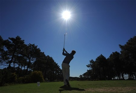 CASCAIS, PORTUGAL - APRIL 03:  Gonzalo Fernandez - Castano of Spain plays his tee shot on the fourth hole during first round of The Estoril Open de Portugal The Quinta da Marinha Golf Course on April 3, 2008 in Cascais, Portugal.  (Photo by Stuart Franklin/Getty Images)