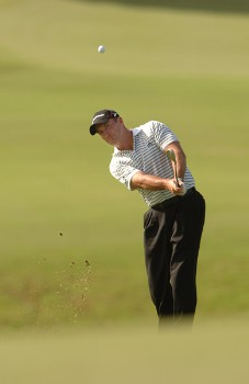 Peter Lonard chips onto the ninth tee during the first round of the PGA TOUR's 2005 Mercedes Championships at The Plantation At Kapalua, in Kapalua Maui, Hawawii January 5, 2005Photo by Steve Grayson/WireImage.com