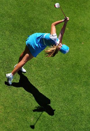 EVIAN-LES-BAINS, FRANCE - JULY 25:  JULY 25:  Paula Creamer of USA plays her tee shot on the sixth hole during the third round of the Evian Masters at the Evian Masters Golf Club on July 25, 2009 in Evian-les-Bains, France.  (Photo by Stuart Franklin/Getty Images)
