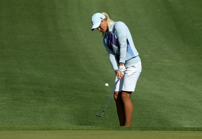 RANCHO MIRAGE, CA - APRIL 04:  Suzann Pettersen of Norway chips onto the green on the second hole during the final round of the Kraft Nabisco Championship at Mission Hills Country Club on April 4, 2010 in Rancho Mirage, California.  (Photo by Stephen Dunn/Getty Images)