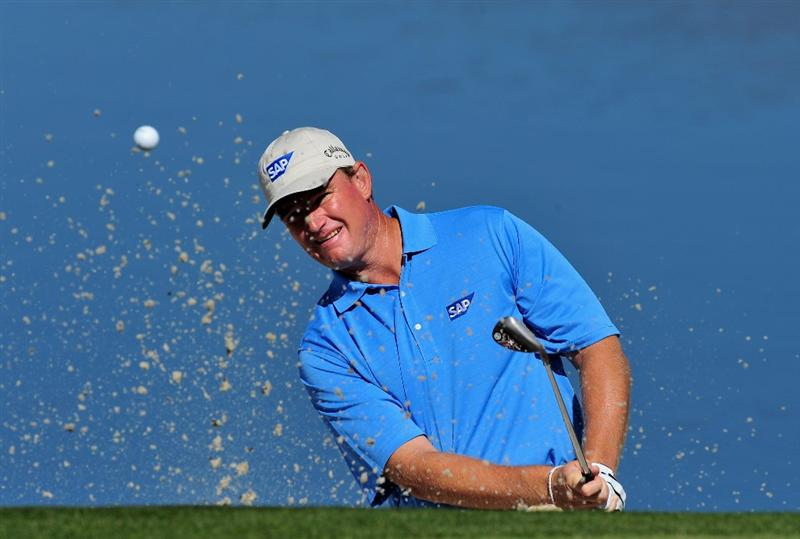 MARANA, AZ - FEBRUARY 27:  Ernie Els of South Africa plays his bunker shot on the third hole during the third round of Accenture Match Play Championships at Ritz - Carlton Golf Club at Dove Mountain on February 27, 2009 in Marana, Arizona.  (Photo by Stuart Franklin/Getty Images)