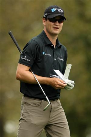 LEMONT, IL - SEPTEMBER 09:  Zach Johnson looks on from the 17th fairway during the first round of the BMW Championship at Cog Hill Golf & Country Club on September 9, 2010 in Lemont, Illinois.  (Photo by Scott Halleran/Getty Images)