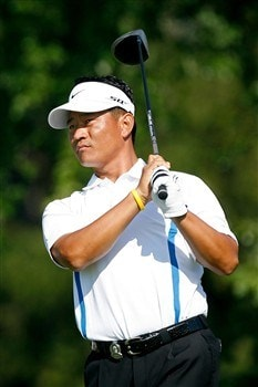 BLOOMFIELD HILLS, MI - AUGUST 07:  K.J. Choi or Korea plays his tee shot on the 14th hole during round one of the 90th PGA Championship at Oakland Hills Country Club on August 7, 2008 in Bloomfield Township, Michigan.  (Photo by Hunter Martin/Getty Images)
