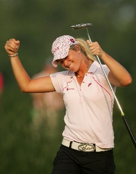 HAVRE DE GRACE, MD - JUNE 10:  Suzann Pettersen of Norway celebrates after winning the McDonalds LPGA Championship at Bulle Rock golf course on June 10, 2007 in Havre de Grace, Maryland.  (Photo by Andy Lyons/Getty Images)