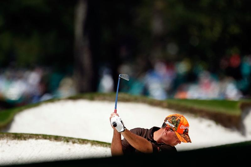 AUGUSTA, GA - APRIL 09:  Boo Weekley hits from a bunker on the first hole during the first round of the 2009 Masters Tournament at Augusta National Golf Club on April 9, 2009 in Augusta, Georgia.  (Photo by Jamie Squire/Getty Images)