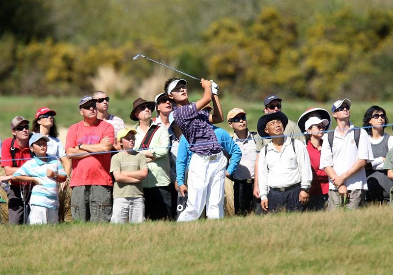 CHRISTCHURCH, NEW ZEALAND - MARCH 08:  Danny Lee of New Zealand plays an approach shot during day four of the New Zealand PGA Championship at the Clearwater Golf Club on March 8, 2009 in Christchurch, New Zealand.  (Photo by Marty Melville/Getty Images)
