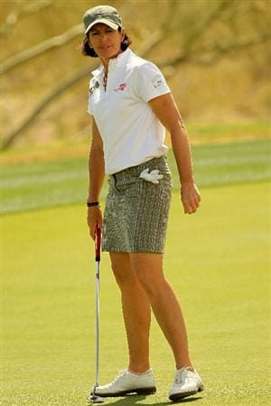 PHOENIX, AZ - MARCH 18:  Juli Inkster reacts to her putt on the 17th hole during the first round of the RR Donnelley LPGA Founders Cup at Wildfire Golf Club on March 18, 2011 in Phoenix, Arizona.  (Photo by Stephen Dunn/Getty Images)