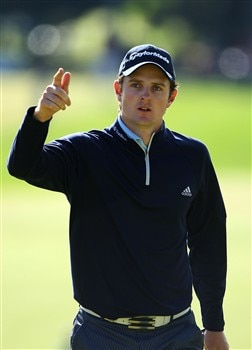 BLOOMFIELD HILLS, MI - AUGUST 10:  Justin Rose of England celebrates a putt on the eighth hole during the completion of round three of the 90th PGA Championship at Oakland Hills Country Club on August 10, 2008 in Bloomfield Township, Michigan.  (Photo by Stuart Franklin/Getty Images)