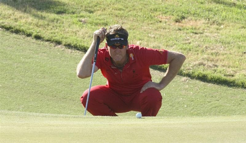 PERTH, AUSTRALIA - FEBRUARY 19:  Ian Poulter of England putting for eagle at the 18th hole during the first round of the 2009 Johnnie Walker Classic tournament at the Vines Resort and Country Club, on February 19, 2009, in Perth, Australia  (Photo by David Cannon/Getty Images)