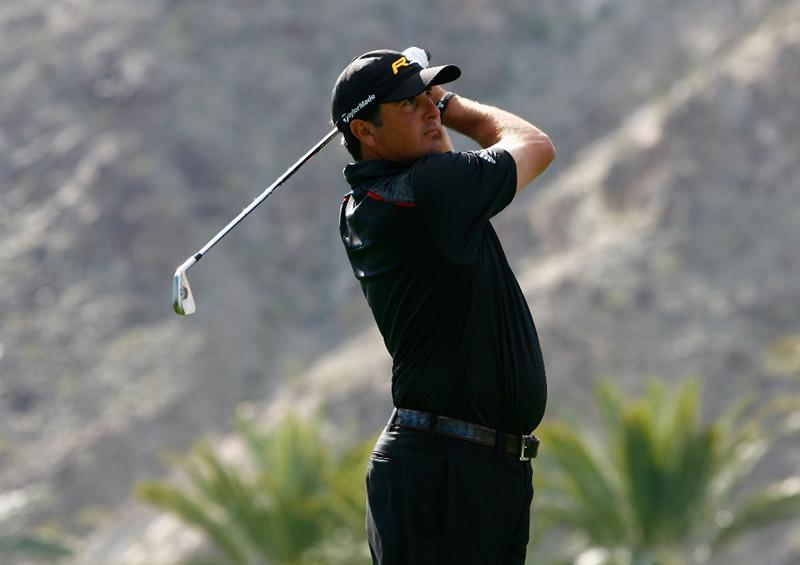 LA QUINTA, CA - JANUARY 25:  Pat Perez hits his second tee shot on the fifth hole during the final round of the Bob Hope Chrysler Classic at the Palmer Course at PGA West on January 25, 2009 in La Quinta, California.  (Photo by Jeff Gross/Getty Images)