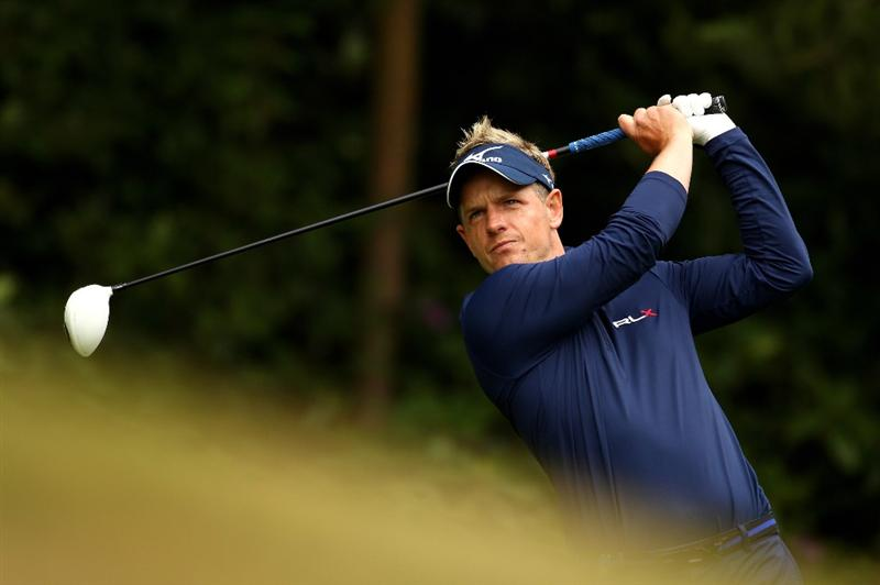 VIRGINIA WATER, ENGLAND - MAY 27:  Luke Donald of England tees off on the 12th hole during the second round of the BMW PGA Championship at the Wentworth Club on May 27, 2011 in Virginia Water, England.  (Photo by Richard Heathcote/Getty Images)