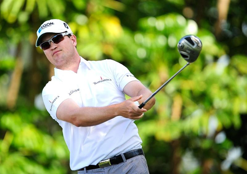 HONOLULU - JANUARY 15:  Zach Johnson hits a shot on the 3rd hole during the second round of the Sony Open at Waialae Country Club on January 15, 2010 in Honolulu, Hawaii.  (Photo by Sam Greenwood/Getty Images)