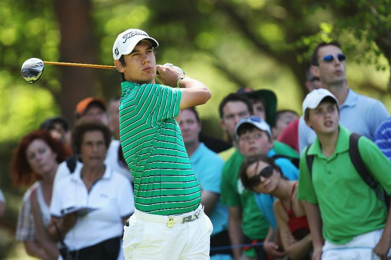 VIRGINIA WATER, ENGLAND - MAY 22:  Matteo Manassero of Italy plays his tee shot at the 11th hole during the third round of the BMW PGA Championship on the West Course at Wentworth on May 22, 2010 in Virginia Water, England.  (Photo by Ross Kinnaird/Getty Images)