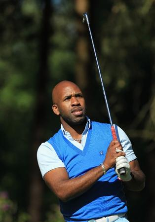 VIRGINIA WATER, ENGLAND - MAY 25:  DJ Spoony tees off during the Pro-Am round prior to the BMW PGA Championship at Wentworth Club on May 25, 2011 in Virginia Water, England.  (Photo by David Cannon/Getty Images)