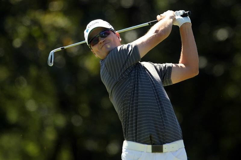 LEMONT, IL - SEPTEMBER 12:  Zach Johnson tees off from the second hole during the final round of the BMW Championship at Cog Hill Golf & Country Club on September 12, 2010 in Lemont, Illinois.  (Photo by Scott Halleran/Getty Images)