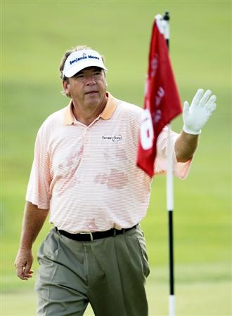 CARMEL, IN - JULY 31:  Joey Sindelar of the USA waves to the gallery after making a birdie on the 18th hole during the second round of the 2009 U.S. Senior Open on July 31, 2009 at Crooked Stick Golf Club in Carmel, Indiana.  (Photo by Jamie Squire/Getty Images)