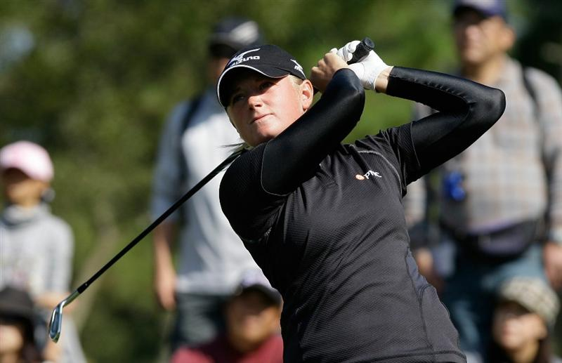 SHIMA, JAPAN - NOVEMBER 06:  Stacy Lewis of United States plays a shot on the 18th hole during round two of the Mizuno Classic at Kintetsu Kashikojima Country Club on November 6, 2010 in Shima, Japan.  (Photo by Chung Sung-Jun/Getty Images)