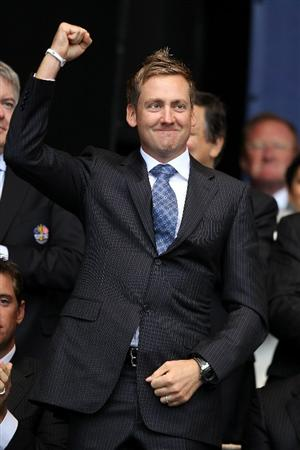 NEWPORT, WALES - SEPTEMBER 30:  Ian Poulter of Europe acknowledges the crowd during the Opening Ceremony prior to the 2010 Ryder Cup at the Celtic Manor Resort on September 30, 2010 in Newport, Wales.  (Photo by Ross Kinnaird/Getty Images)