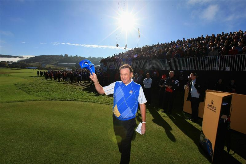 NEWPORT, WALES - OCTOBER 04:  Miguel Angel Jimenez of Europe waves to the gallery on the first tee in the singles matches during the 2010 Ryder Cup at the Celtic Manor Resort on October 4, 2010 in Newport, Wales.  (Photo by David Cannon/Getty Images)