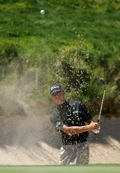 PAARL, SOUTH AFRICA - DECEMBER 13:  Alex Haindl of South Africa plays out of the greenside bunker on the seventh hole during the first round for The South African Airways Open at Pearl Valley Golf Club on December 13, 2007 in Paarl, South Africa.  (Photo by Warren Little/Getty Images)