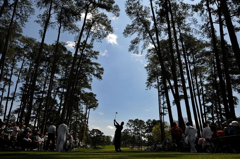 AUGUSTA, GA - APRIL 10:  Todd Hamilton hits his tee shot on the 17th hole during the second round of the 2009 Masters Tournament at Augusta National Golf Club on April 10, 2009 in Augusta, Georgia.  (Photo by Harry How/Getty Images)