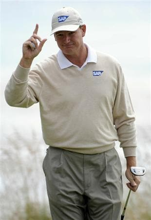 PEBBLE BEACH, CA - JUNE 20:  Ernie Els of South Africa waves to the gallery on the fifth hole during the final round of the 110th U.S. Open at Pebble Beach Golf Links on June 20, 2010 in Pebble Beach, California.  (Photo by Harry How/Getty Images)