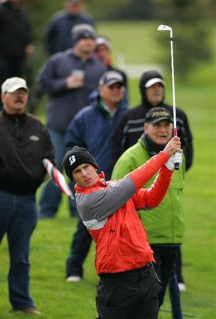 VERNON, NY - OCTOBER 02:  Charles Howell III plays a shot during the first round of the Turning Stone Resort Championship at Atunyote Golf Club held on October 2, 2008 in Vernon, New York.  (Photo by Michael Cohen/Getty Images)