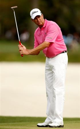 HILTON HEAD ISLAND, SC - APRIL 18:  Davis Love III reacts to a putt on the 16th hole during the third round of the Verizon Heritage at Harbour Town Golf Links on April 18, 2009 in Hilton Head Island, South Carolina.  (Photo by Streeter Lecka/Getty Images)