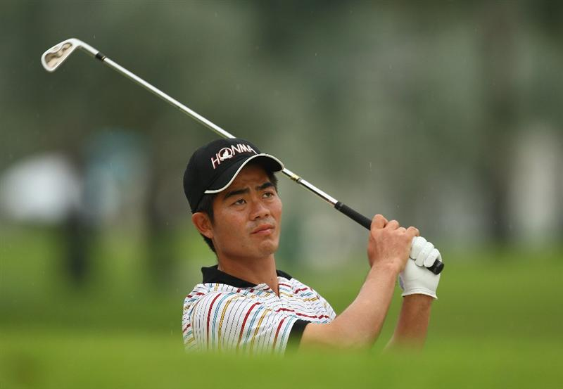 SINGAPORE - NOVEMBER 13:  Liang Wen-Chong of China in action during the first round of the Barclays Singapore Open at Sentosa Golf Club on November 13, 2008 in Singapore.  (Photo by Ian Walton/Getty Images)