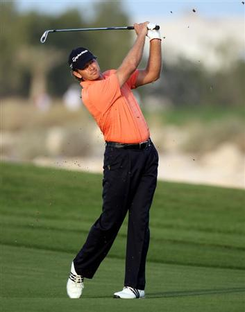 DOHA, QATAR - JANUARY 29:  Retief Goosen of South Africa on the par five 18th hole during the second round of the Commercialbank Qatar Masters at the Doha Golf Club on January 29, 2010 in Doha, Qatar.  (Photo by Ross Kinnaird/Getty Images)