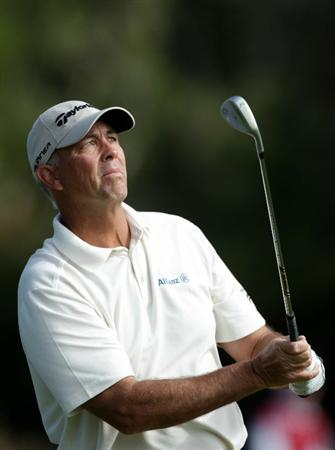 PEBBLE BEACH, CA - JUNE 17:  Tom Lehman watches a shot on the 15th hole during the first round of the 110th U.S. Open at Pebble Beach Golf Links on June 17, 2010 in Pebble Beach, California.  (Photo by Andrew Redington/Getty Images)