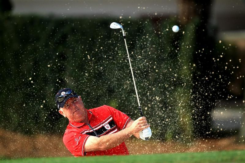 ORLANDO, FL - MARCH 22:  Mark O'Meara of the USA and the Isleworth Team warms up before the first day's play in the 2010 Tavistock Cup, at the Isleworth Golf and Country Club on March 22, 2010 in Orlando, Florida.  (Photo by David Cannon/Getty Images)