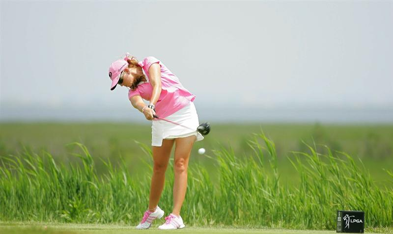 GALLOWAY, NJ - JUNE 20:  Paula Creamer hits her drive on the third hole during the final round of the ShopRite LPGA Classic held at Dolce Seaview Resort (Bay Course) on June 20, 2010 in Galloway, New Jersey.  (Photo by Michael Cohen/Getty Images)