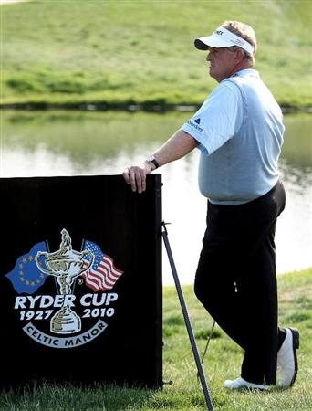 NEWPORT, WALES - JUNE 04:  Colin Montgomerie of Scotland in action on the during the second round of the Celtic Manor Wales Open on the 2010 Course at the Celtic Manor Resort on June 4, 2010 in Newport, Wales.  (Photo by Ross Kinnaird/Getty Images)