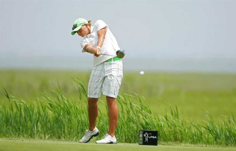 GALLOWAY, NJ - JUNE 20: Katherine Hull of Australia hits her drive on the third hole during the final round of the ShopRite LPGA Classic held at Dolce Seaview Resort (Bay Course) on June 20, 2010 in Galloway, New Jersey.  (Photo by Michael Cohen/Getty Images)