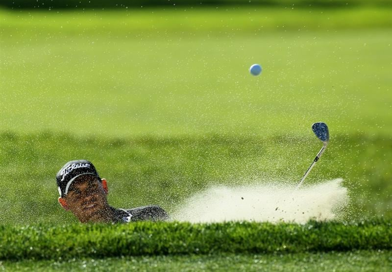 LA JOLLA, CA - JANUARY 28:  Bill Haas hits out of a bunker on the eighth hole during round two of the Farmers Insurance Open at Torrey Pines South Course on January 28, 2011 in La Jolla, California.  (Photo by Stephen Dunn/Getty Images)