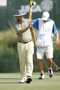 Hubert Green acknowledges the crowd after making a putt during the first round of the U.S. Senior Open at Prairie Dunes Country Club in Hutchinson,  Kansas on July 6, 2006.Photo by G. Newman Lowrance/WireImage.com