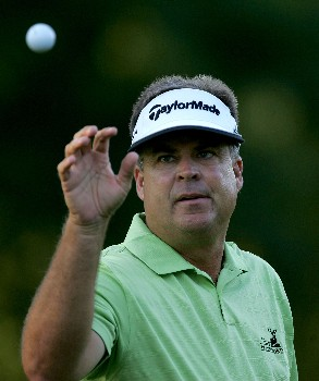 PARAMUS, NJ - AUGUST 21: Kenny Perry catches a ball during the first round of The Barclays at Ridgewood Country Club on August 21, 2008 in Paramus, New Jersey.  (Photo by Sam Greenwood/Getty Images)